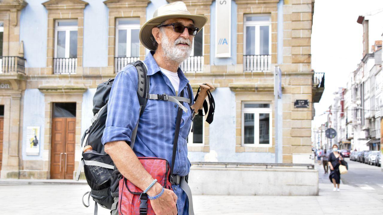 El Camino se reactiva con más de mil peregrinos diarios en julio.Autobús para la donación de sangre en Carballo