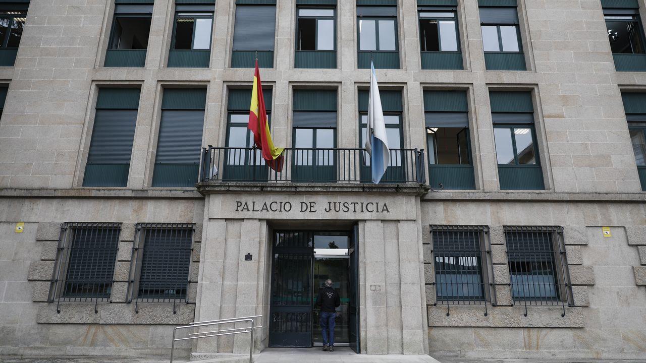 Regata de piragüismo en Castrelo de Miño.La Guardia Civil regula el tráfico en la zona del accidente