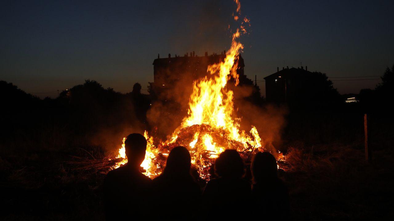 Algún particular de Lugo se atrevió a encender su hoguera