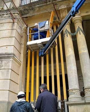 La Torre dos Moreno está siendo reparada para evitar que caiga.