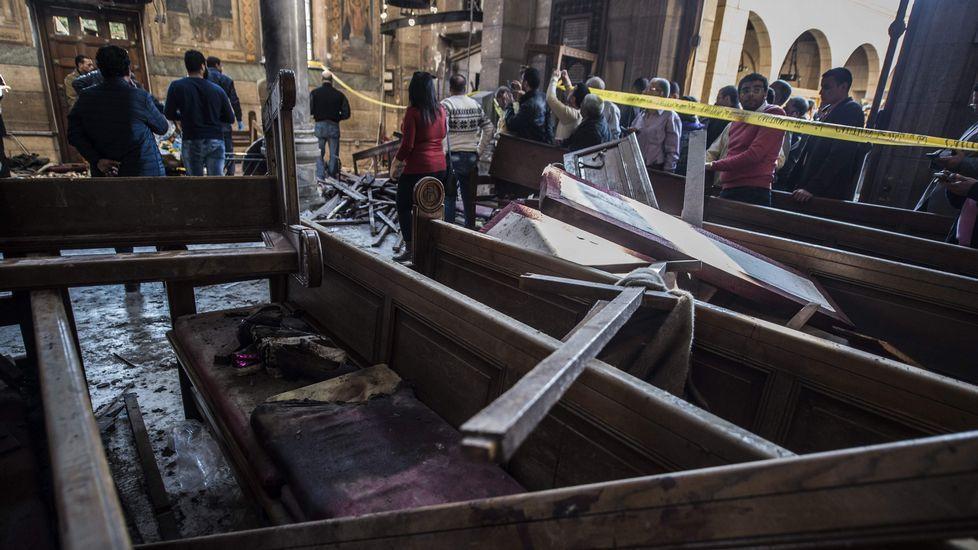 25 muertos en un atentado en El Cairo.Pancartas y sierras, en las protestas contra Salman