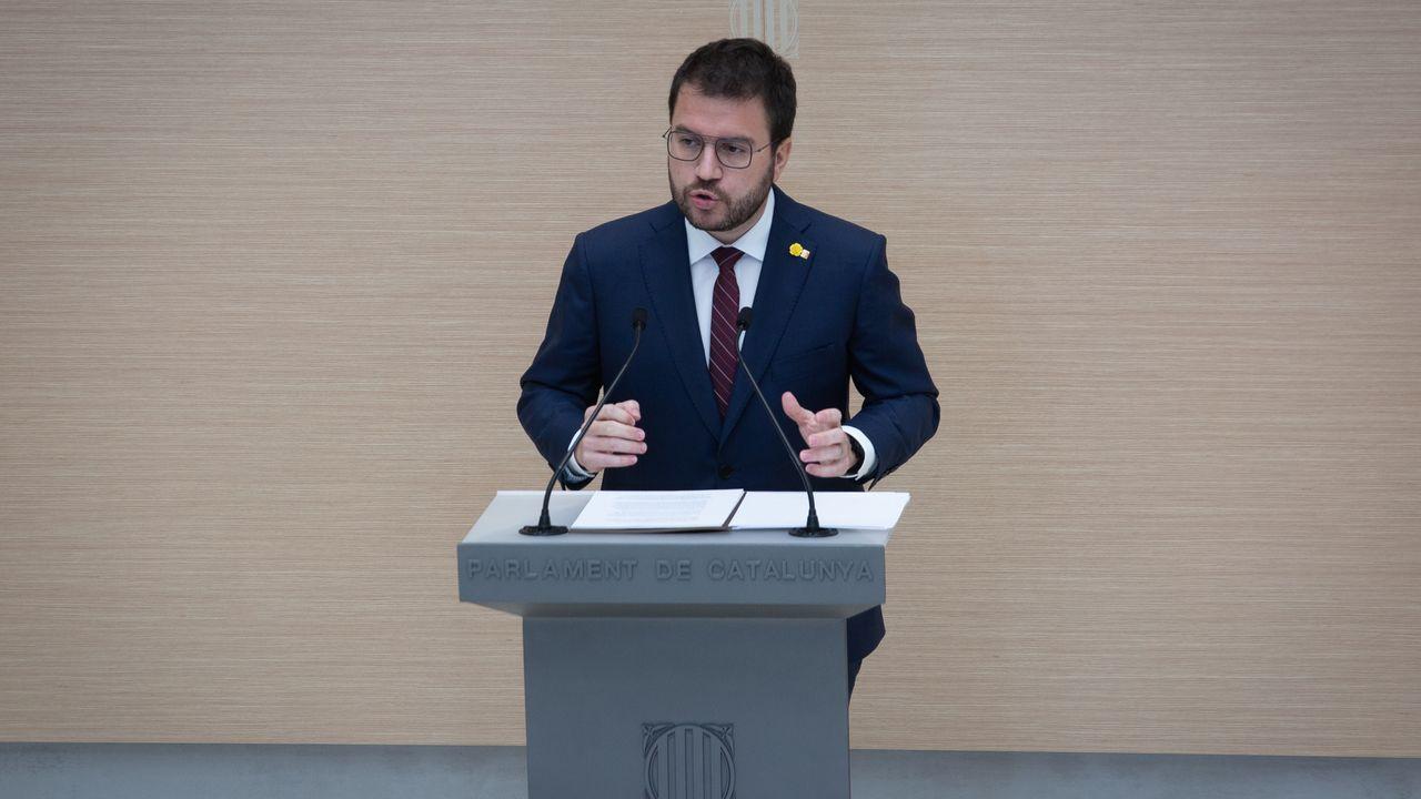 La secretaria general adjunta y portavoz de ERC, Marta Vilalta, junto al candidato a la Presidencia, Pere Aragonés