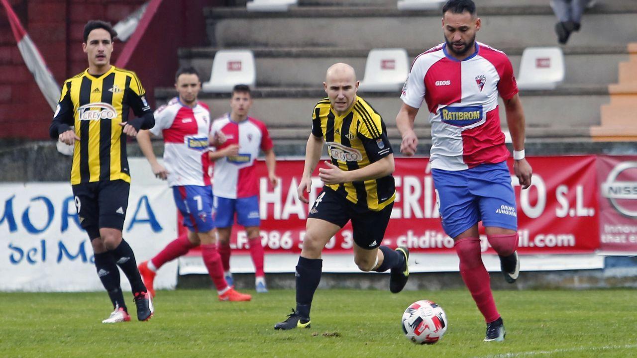 Las imágenes del partido entre el Atlético Arousana y el Umia