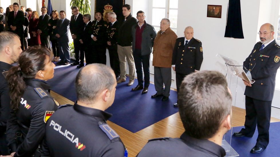Homenaje a Vanessa Lage, la policía muerta en el atraco de O Calvario en Vigo.Reunión de los alcaldes en la Delegación del Gobierno.