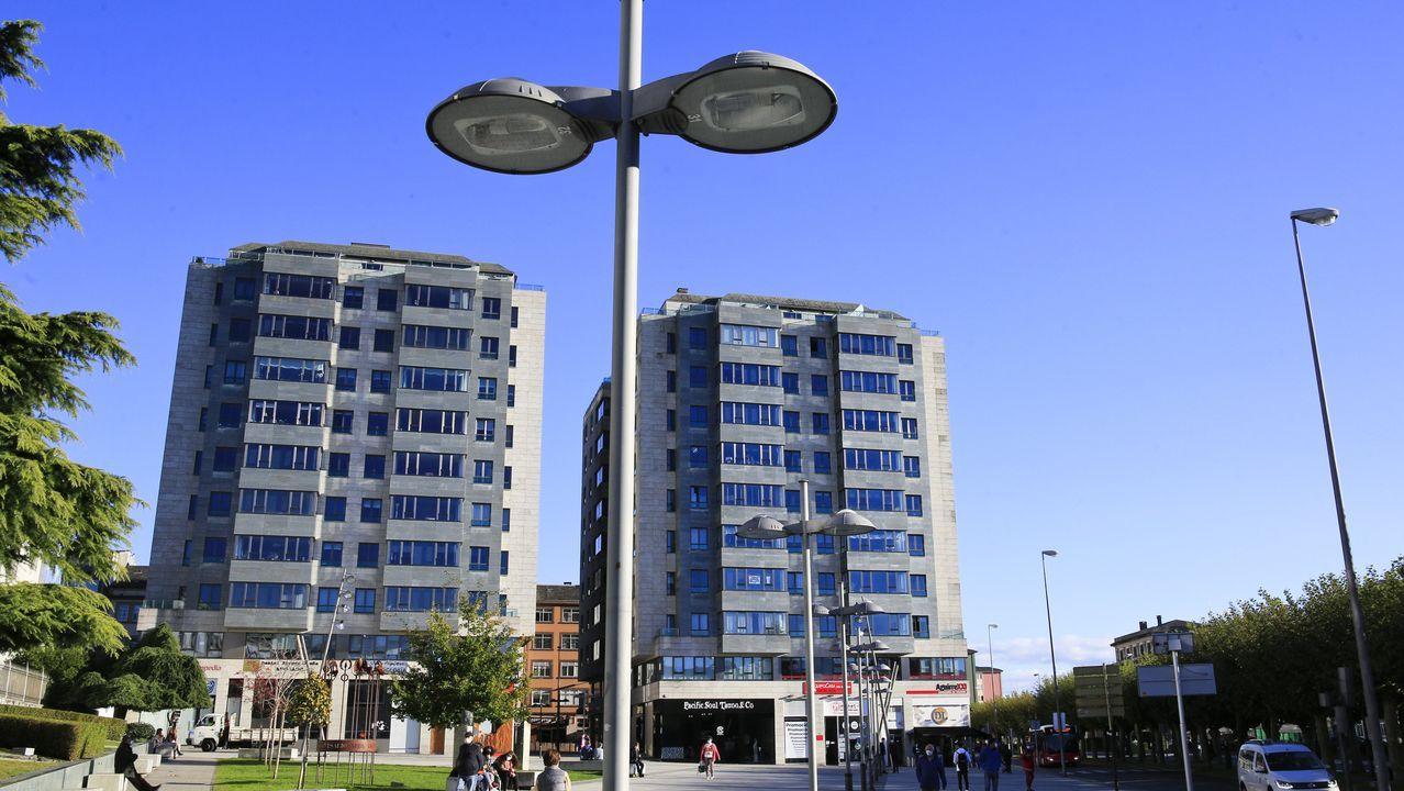 Casas a la espera de su gran cambio.En las torres del Seminario se alquilan pisos al precio de 1.000 euros al mes