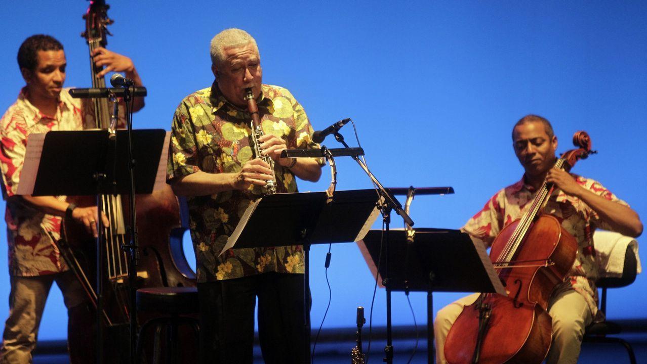 La leyenda del jazz latino Paquito D'Rivera toca con la Real Filharmonía
