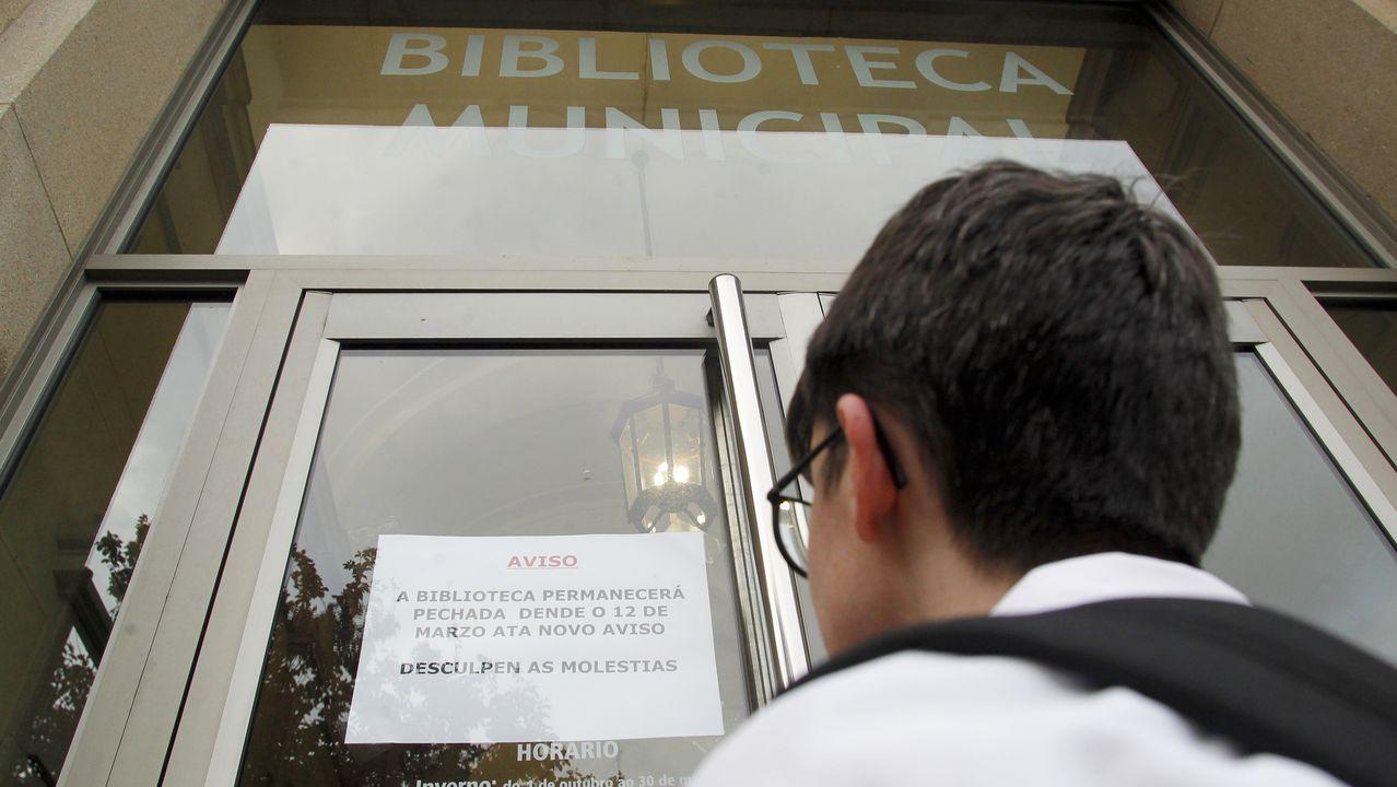 Cerrada la biblioteca municipal de Ferrol