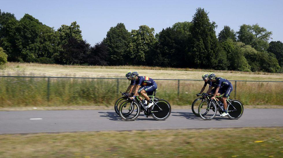 El conjunto español (Movistar Team) durante la sesión matinal.