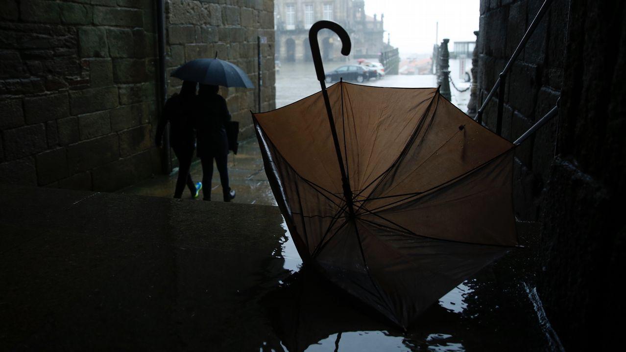 Temporal de lluvia y viento en Santiago.Partidario de la independencia de Escocia durante un acto electoral a favor del sí en el referendum del 2014