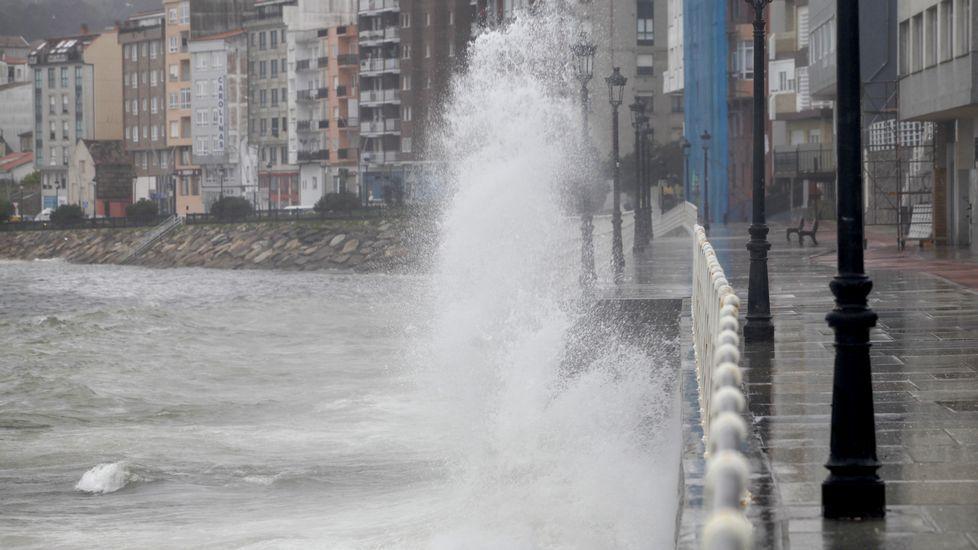 Lluvia intensa en Santiago durante el Compos-Pontevedra.