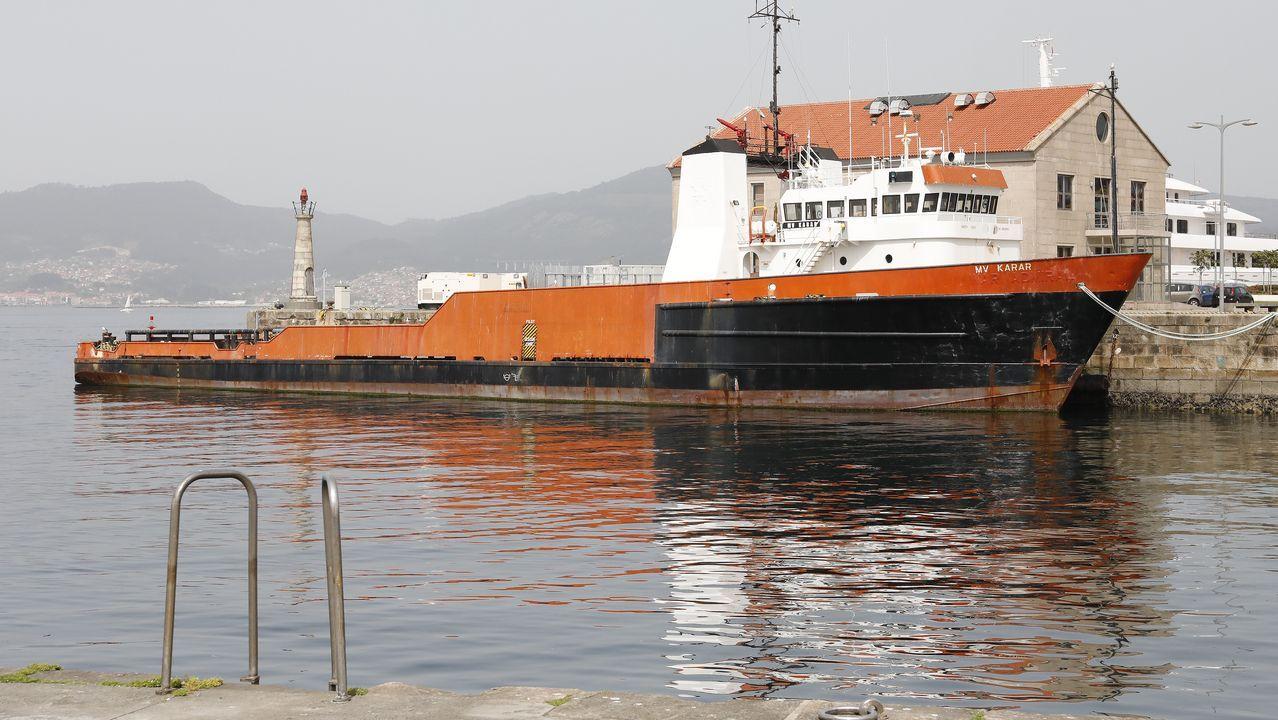 Las 10 mejores fervenzas de Pontevedra y O Salnés.El buque lleva 12 meses atracado en A Laxe a la espera de que se decida su futuro. El armador y la firma propietaria son de Panamá, y anteriormente tuvo bandera de Togo y la empresa titular era de los EE.UU.