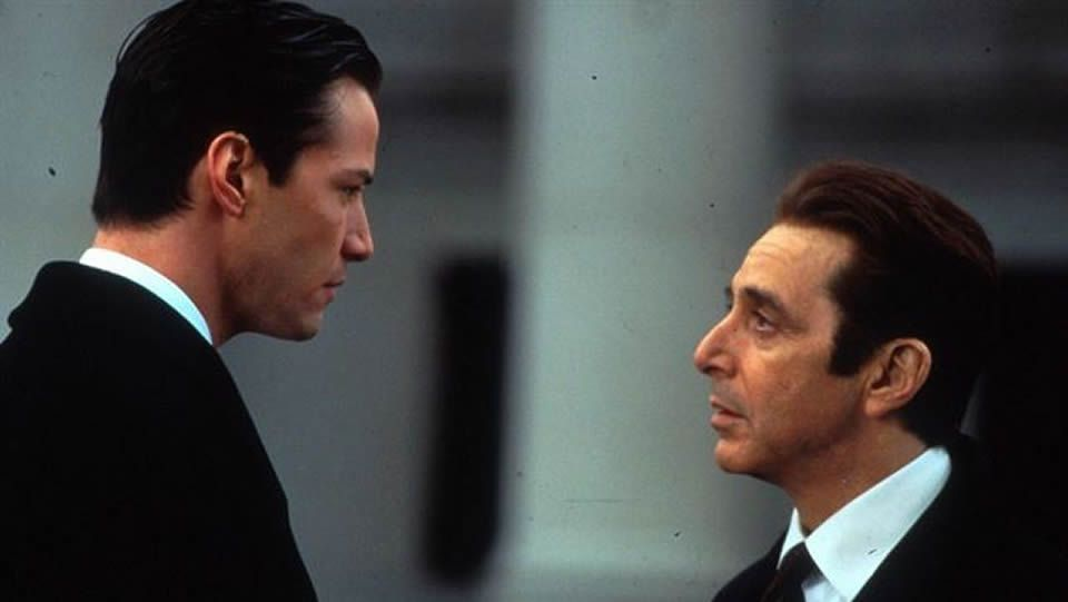 pactar con el diablo.<span lang= es-es >Presentación </span>Al Pacino junto a los actores David Gordon y Chris Messina durante la presentación de la nueva película «The Humbling» en la Mostra Internacional de Venecia.