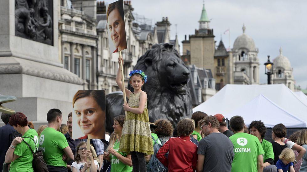 Referendo histórico en el Reino Unido.Miles de personas rindieron tributo an Trafalgar Square un emotivo homenaje a la diputada laborista asesinada Jo Cox.