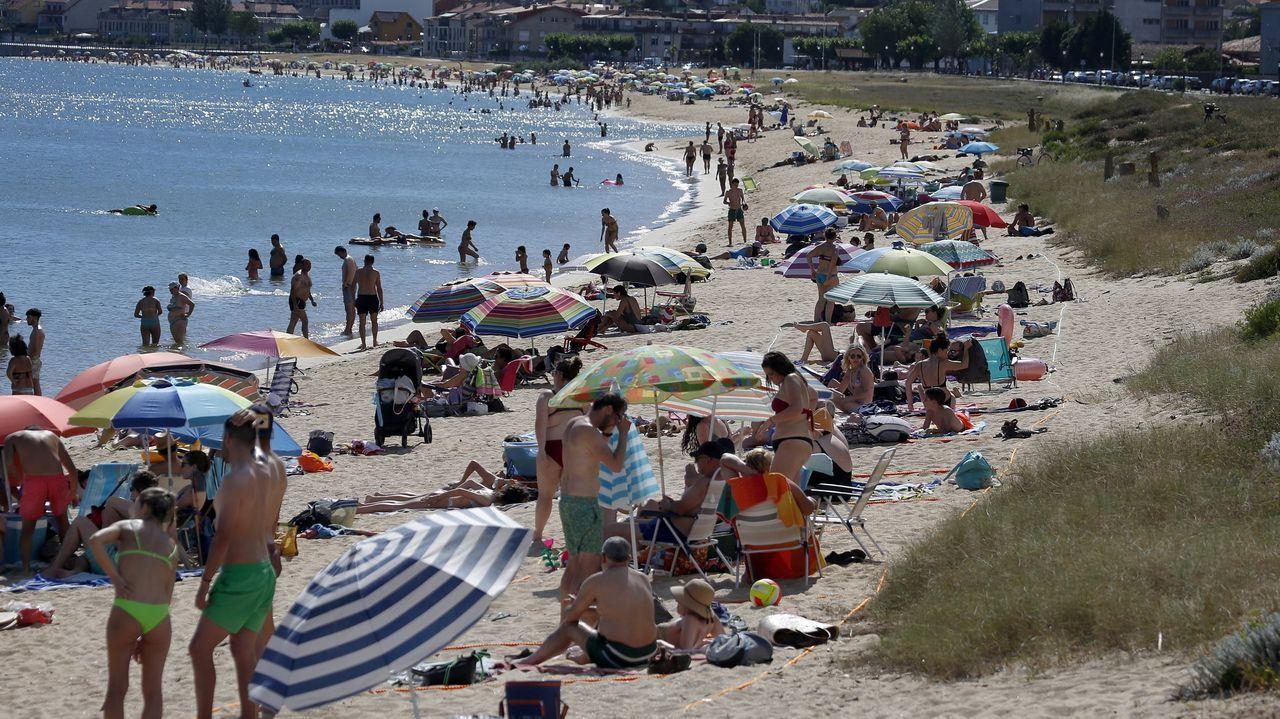 La playa de Coroso en plena ola de calor