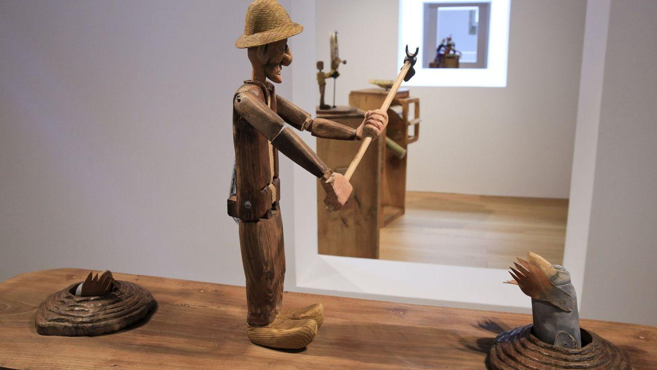 Visita de Darío Gil Arias ao colexio Fingoi, en Lugo.La exposición «Kinetiko» continúa en O Vello Cárcere hasta el 30