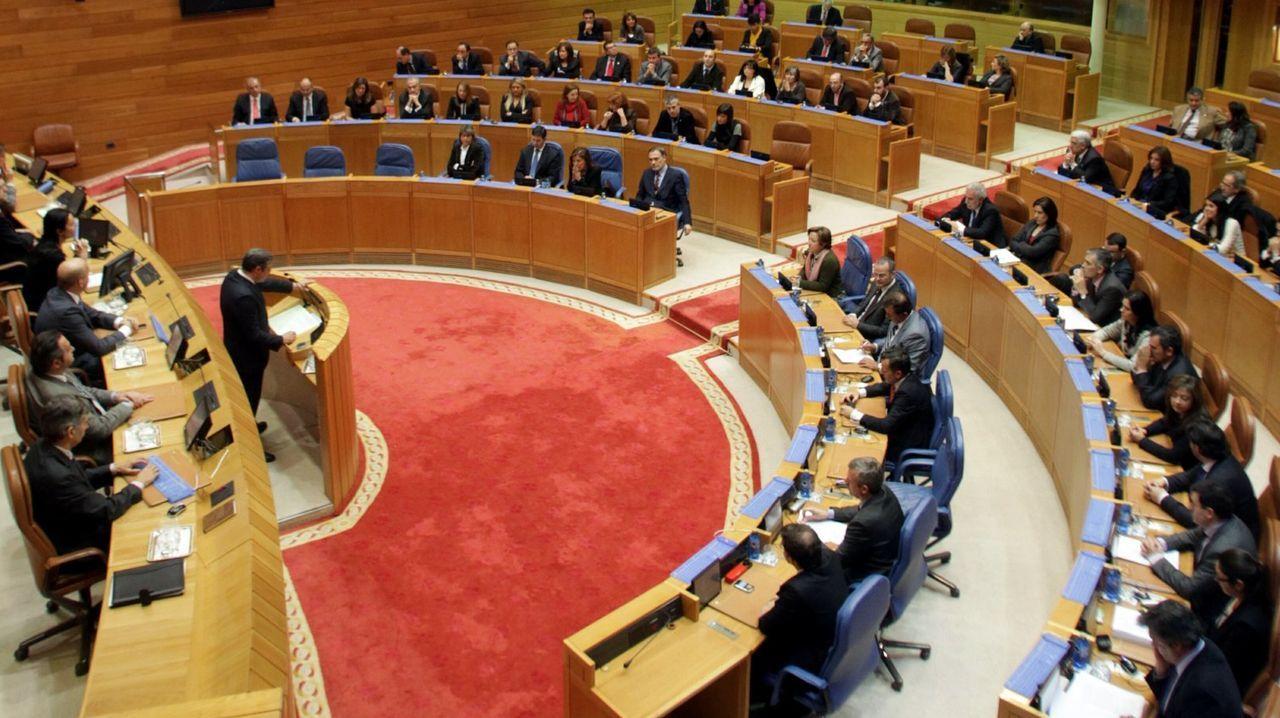 El BNG propone 40 medidas: blindar Galicia, eliminar cuotas a autónomos y reforzar la prevención de violencia machista.Gómez-Reino, na praza da Fariña da Coruña, onde iniciou a súa actividade política hai seis anos