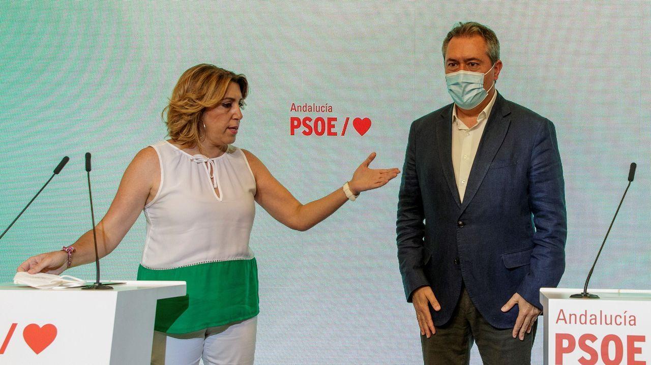 Susana Díaz y Juan Espedas en la rueda de prensa conjunta que ofrecieron para anunciar la decisión