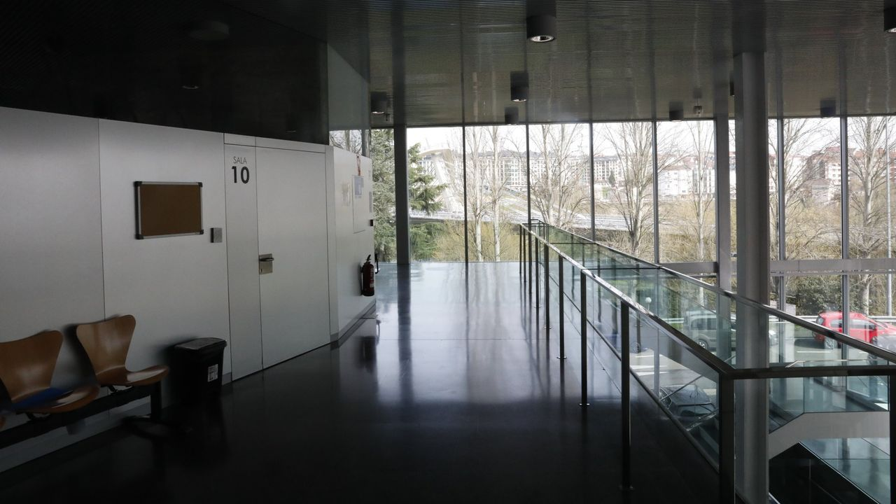 Fachada del edificio de la Deputación de Ourense