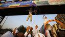 Los manifestantes colgaron a un muñeco que representaba a Macron