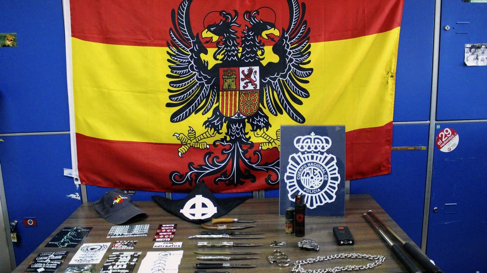 Operación contra skins en Madrid.Pintadas nazis en La Semiente