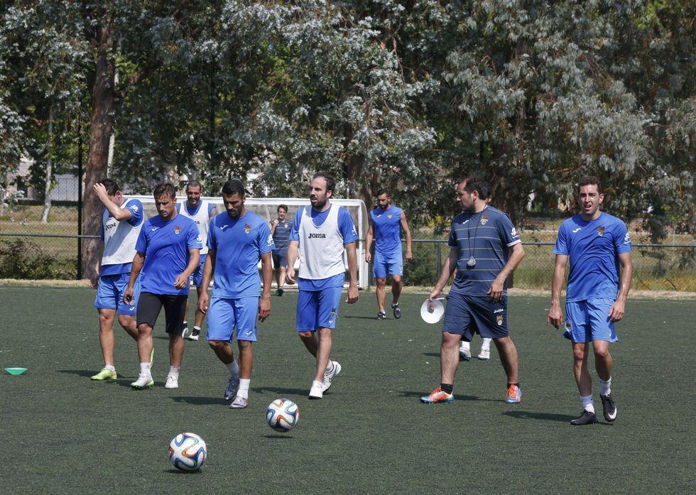 El Pontevedra, en la sesión de recuperación tras el regreso de Ciudad Real, en A Xunqueira.