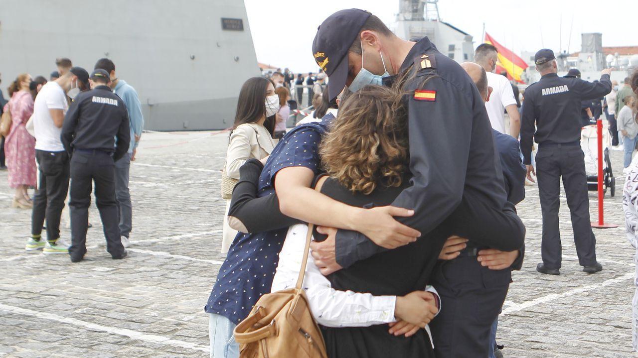Regreso de la Méndez Núñez a Ferrol tras cuatro meses con la OTAN.La fortificada base Bagram fue el centro de los ataques aéreos contra los talibanes.