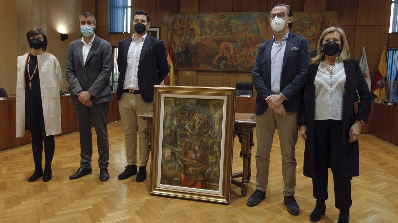 Las dos caras del cuadro del pintor Rivas Briones.Inicio de este curso, en el Ies Sánchez Cantón de Pontevedra