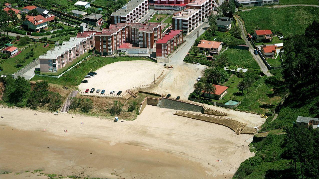 Playa de A Magdalena, en Cabanas.Playa de Ber, en Pontedeume