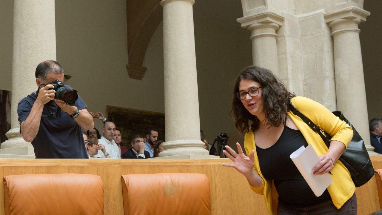 La diputada de Podemos Raquel Romero ha votado contra la investitura como presidenta de la socialista Concha Andreu