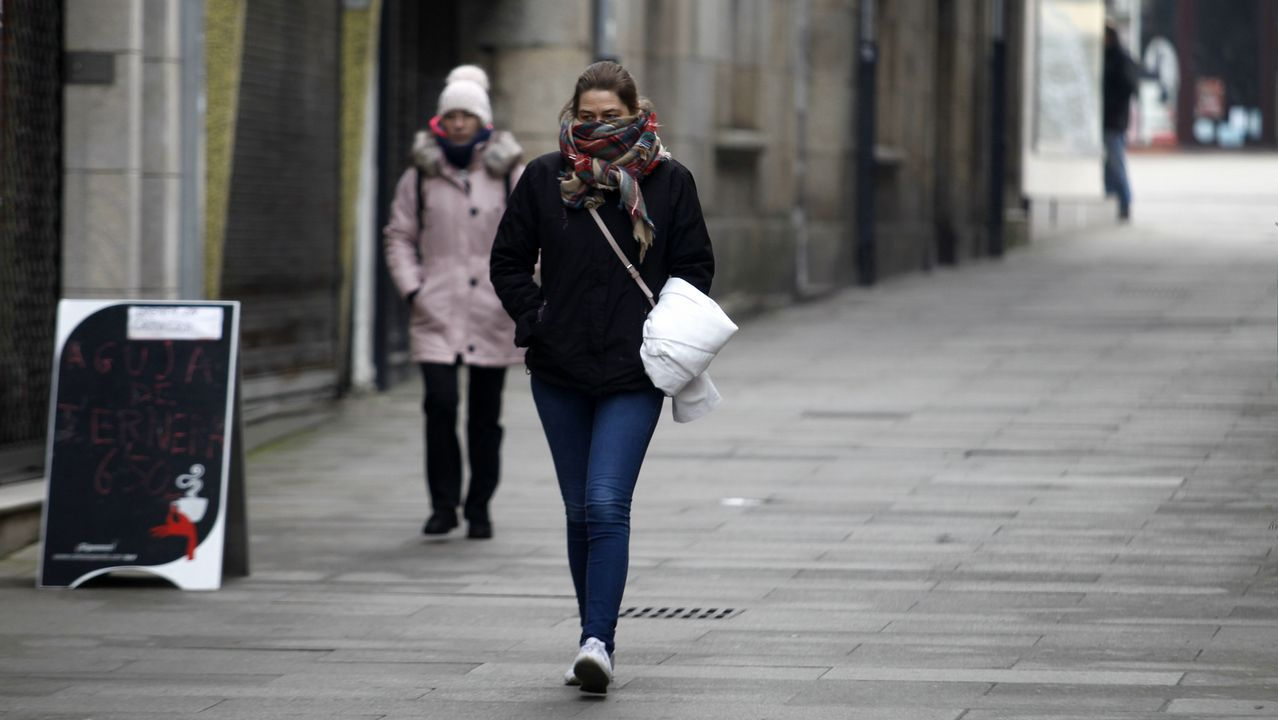 Abrigos y bufandas, imprescindibles en Monforte de Lemos