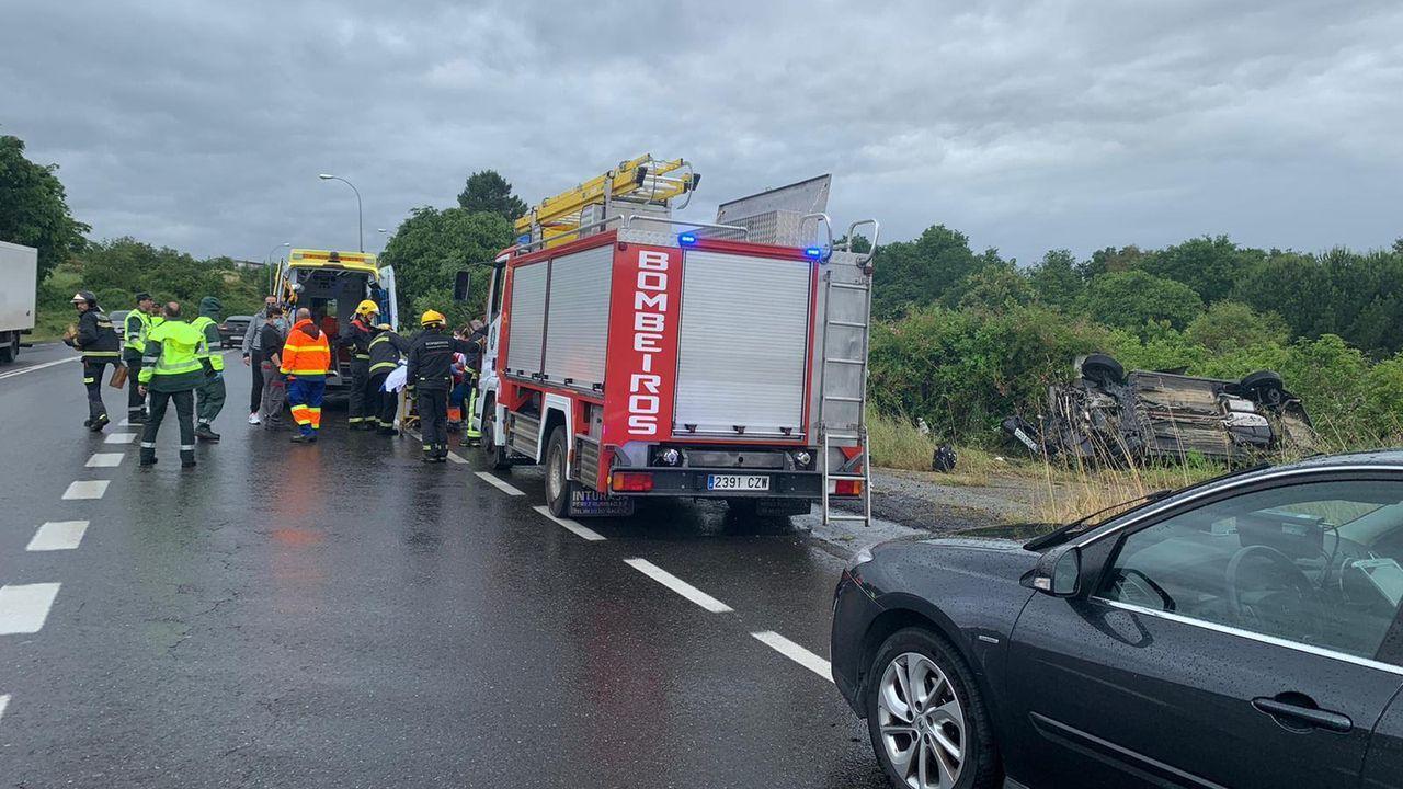 Accidente san Cibrao das Viñas.Control de la Guardia Civil en una carretera de la provincia de Pontevedra