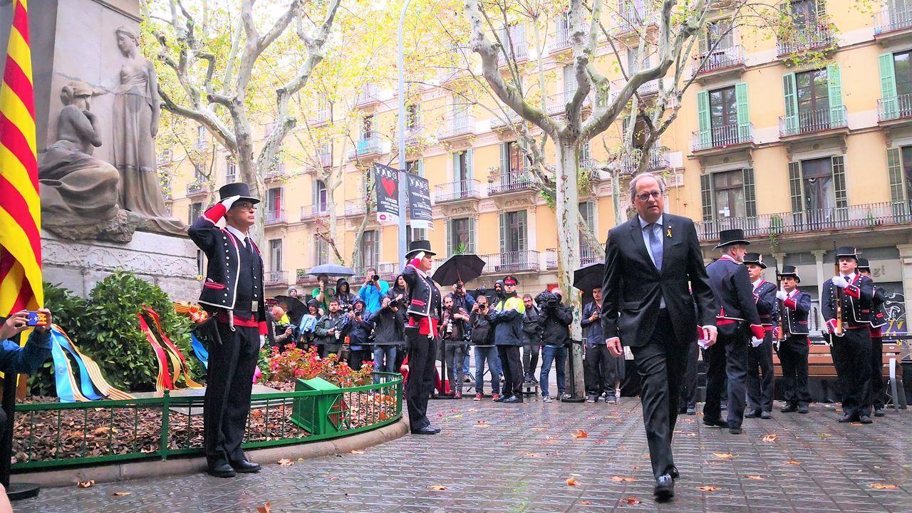 El himno de España se cuela en la ofrenda floral del Govern por la Diada.Junqueras, durante la vista del juicio por el 1-O