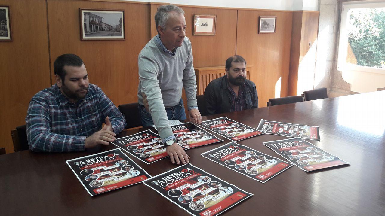 Fallece el eterno galán del teatro, Arturo Fernández.Un detalle del cartel de la película «Señora doctor» utilizado en una octavilla sindical de la Policía Local contra Carmen Moriyón