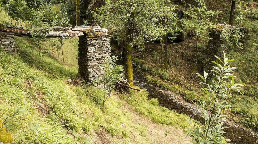 Otro aspecto de las ruinas de la Cal de Gandarón