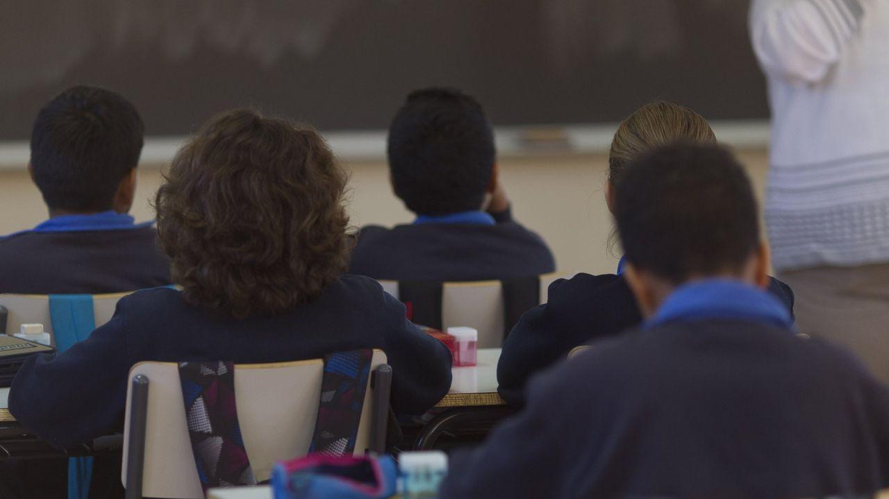 Cribado mediante PCR a 232 alumnos y profesores del colegio Santa María del Mar- Jesuitas de A Coruña