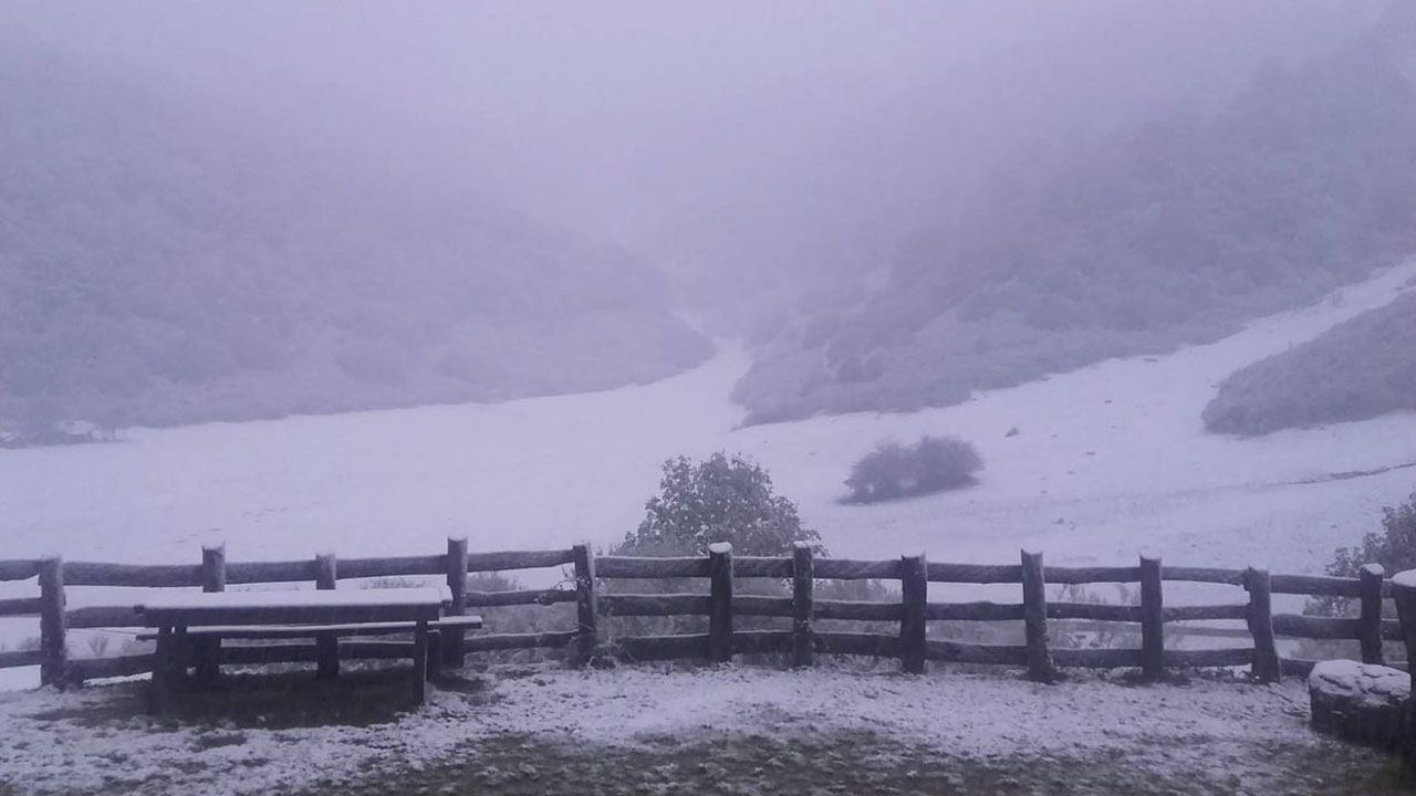Imagen tomada de la nevada desde el refugio de Brañagallones