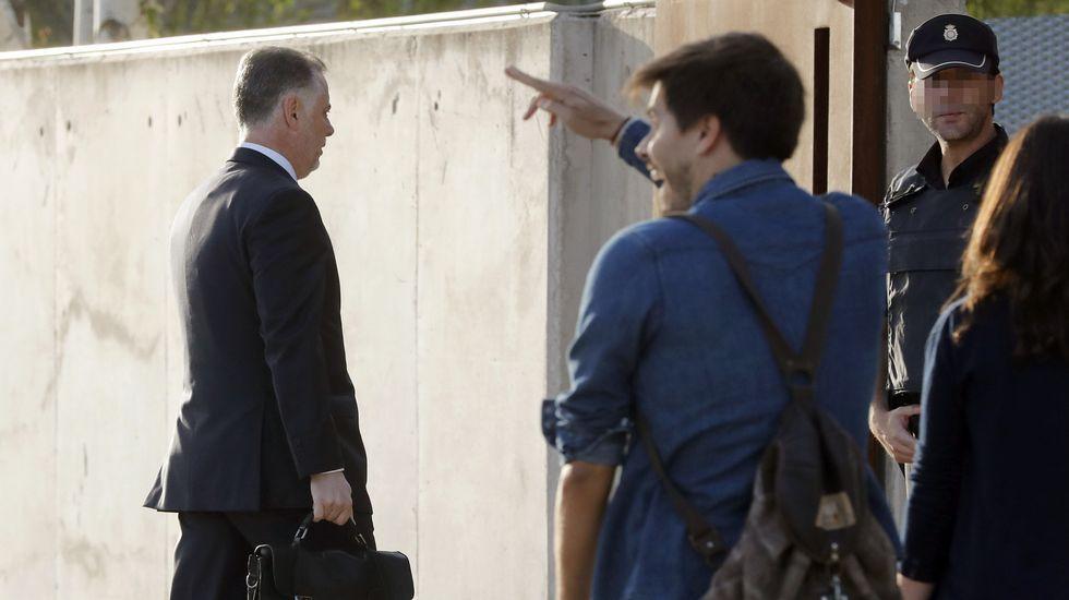 Alberto López Viejo llega al juicio de la Gürtel