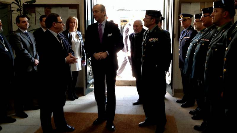 Pablo Taboada con el director general de la Guardia Civil Arsenio Fernández de Mesa