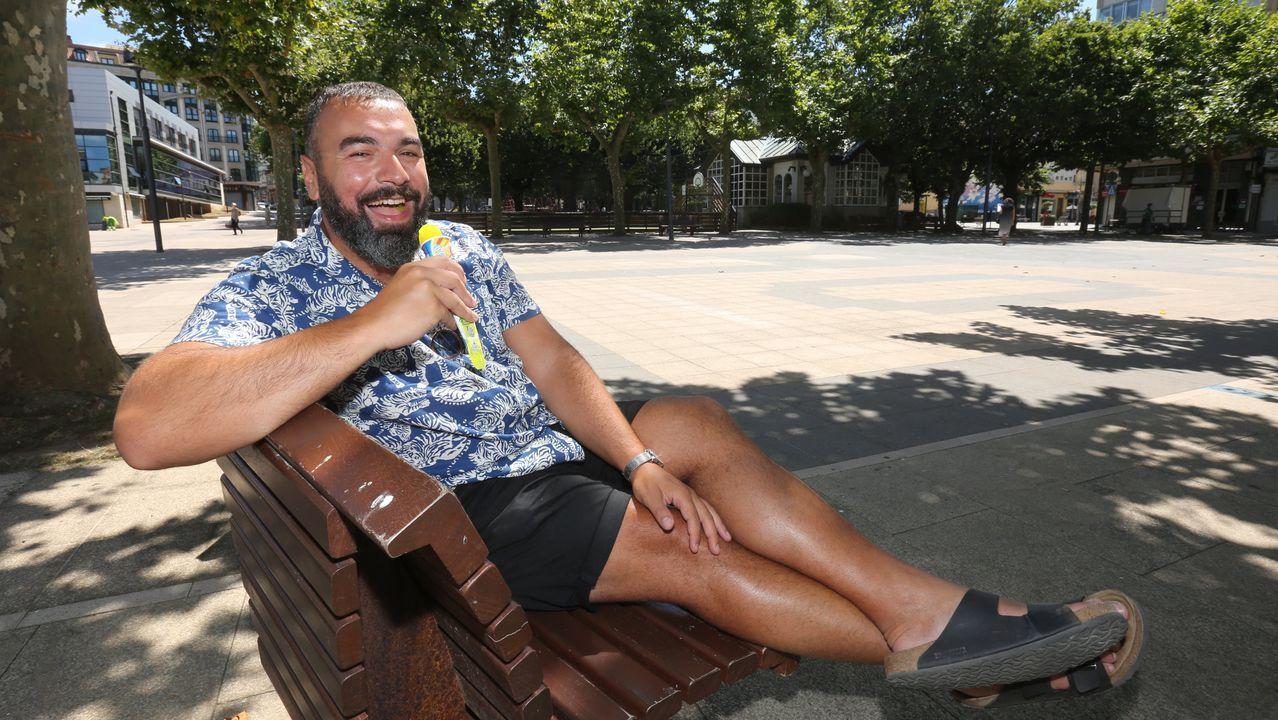 David Miranda Labayru, de 25 años, vereanea y teletrabaja este año desde una casa situada en Foz