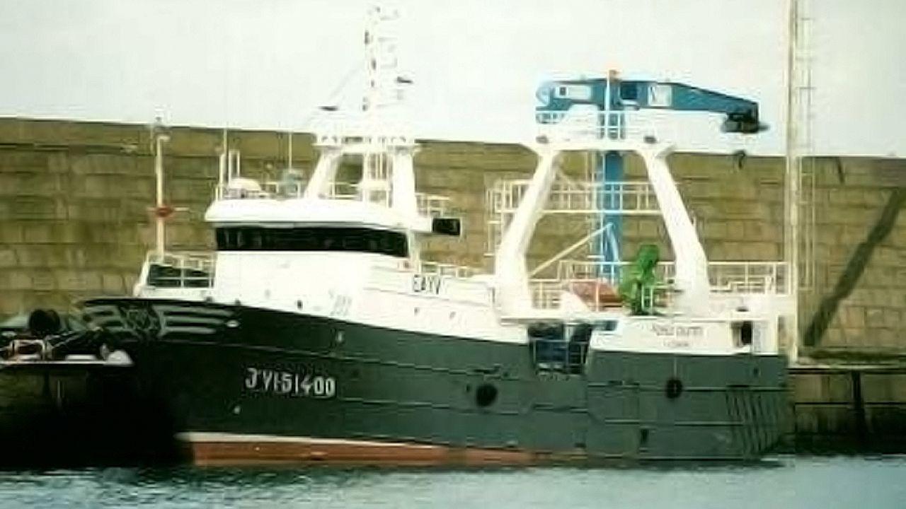 La Guardia Civil evitó un altercado entre percebeiros y bateeiros en A Barca de Muxía.El Pombo Cuatro, en una imagen del Registro General de la Flota Pesquera, del Ministerio de Pesca