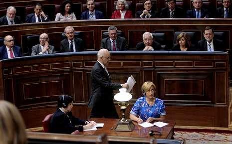 <span lang= es-es >Durán, entre dos aguas</span>. Parafraseando a Francesc Cambó, Duran dijo que entre monarquía y república, él dice Cataluña.