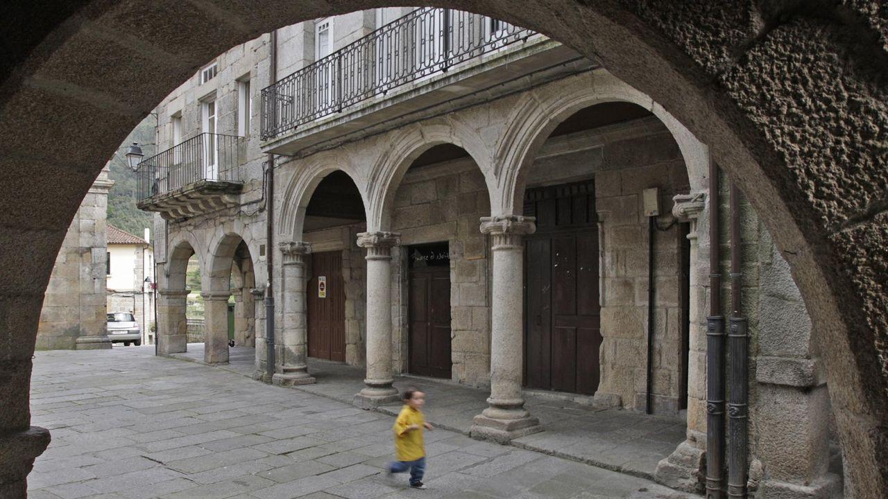 Nueva campaña en <span lang= gl >Viladonga</span>.Urna con los restos de San Pelayo, actualmente bajo el altar mayor del monasterio ovetense.