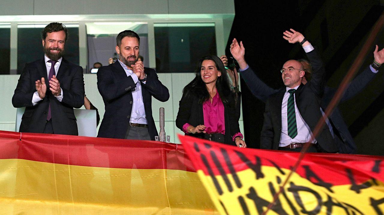 Abascal: «Esta es la mayor gesta política de la historia de la democracia».Pedro Sánchez, este jueves, con el presidente electo del Consejo Europeo, Charles Michel