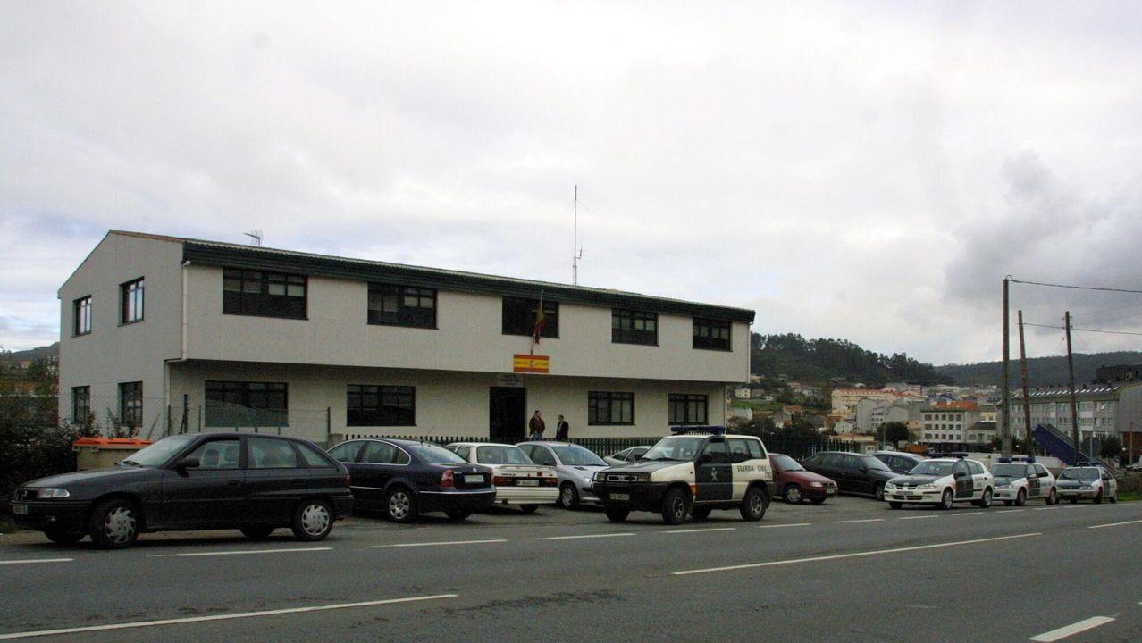 Más de una veintena de animales muertos en dos fincas en Llanes.Imagen de archivo de la casa cuartel de la Guardia Civil en Arteixo