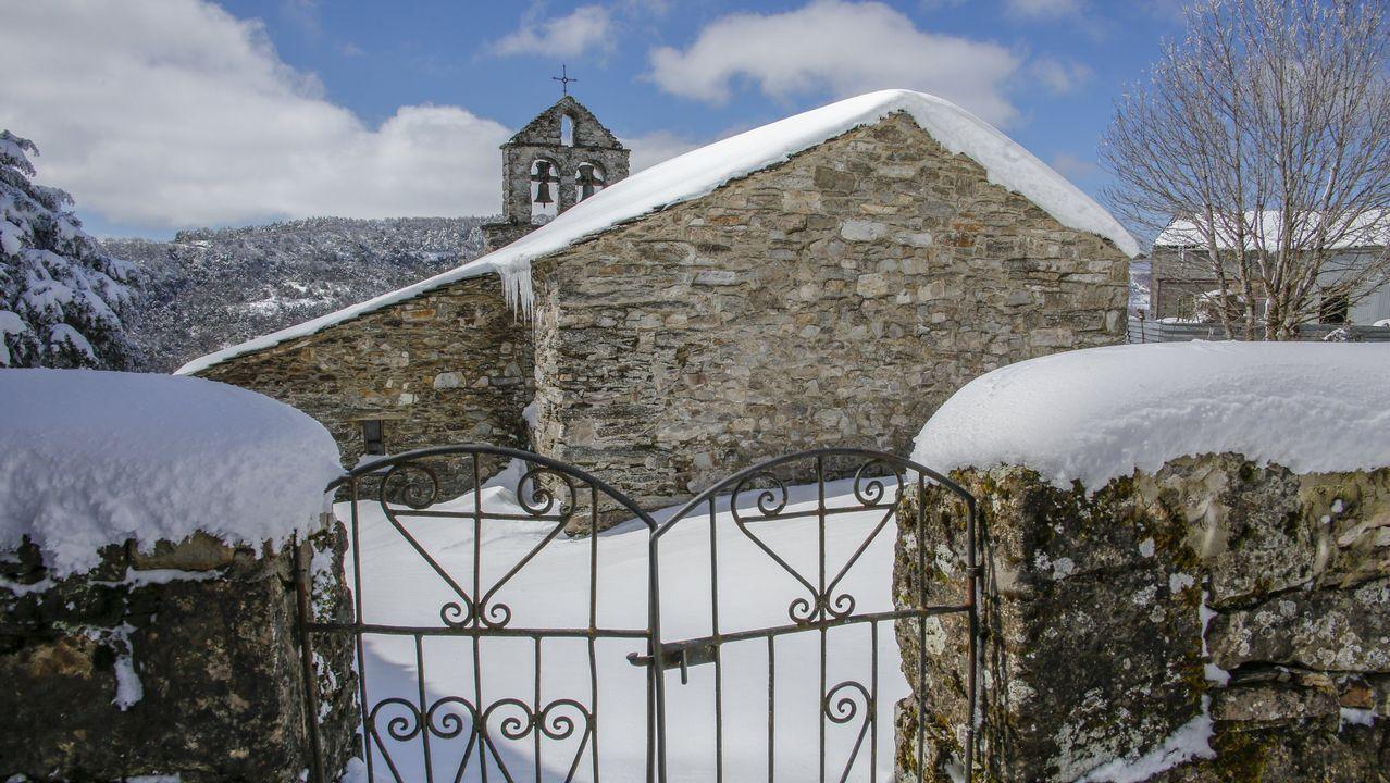 Nieve en la montaña de Lugo en abril