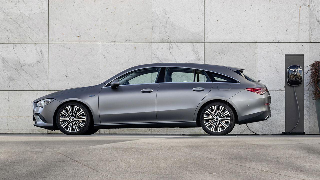 Mercedes inicia la venta de los nuevos CLA 250 e Coupé y Shooting Brake
