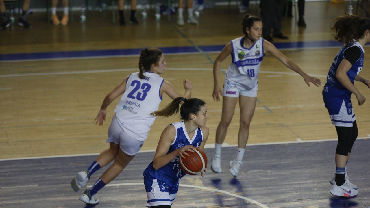 El Baxi celebra con Ferrol las mieles del ascenso.Imagen del partido del Ensino de este jueves