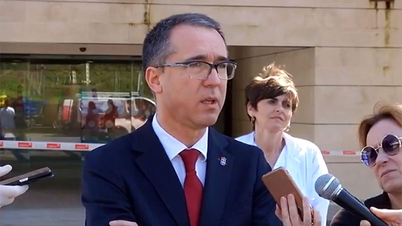 El equipo de urgencias de Cabueñes:«Todo saldrá bien».El consejero de Salud, Pablo Fernández