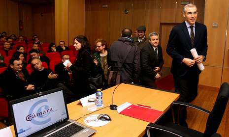 Francisco Conde dio a conocer ayer en la Cámara las nuevas líneas de ayudas para empresas.