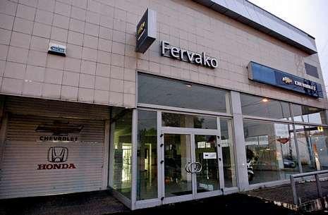 Las instalaciones del concesionario de Honda-Chevrolet de la avenida de Lugo se alquilan.
